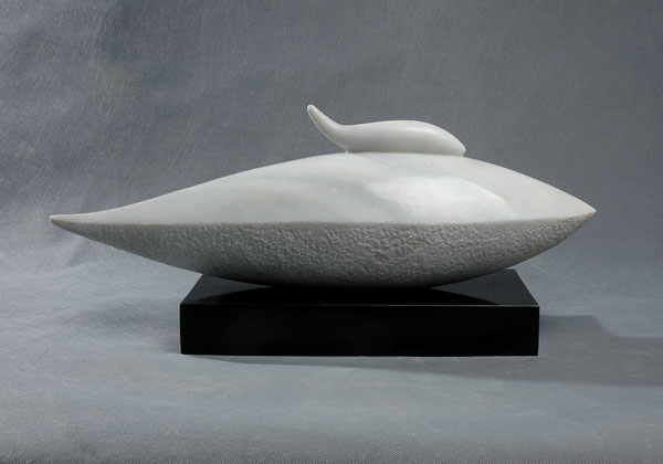"Marble sculpture ""Together"" by contemporary Chinese sculptor Zhang Yaxi"